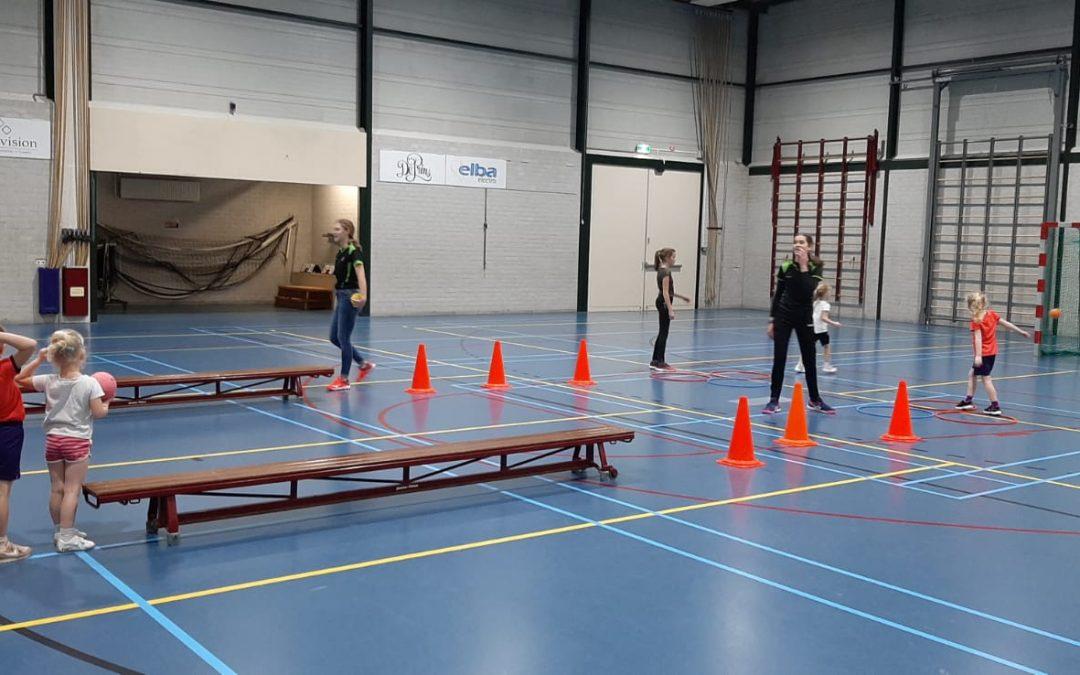 ienieMINI Handbal | MEOS handbal wil allerjongste jeugd kennis laten maken